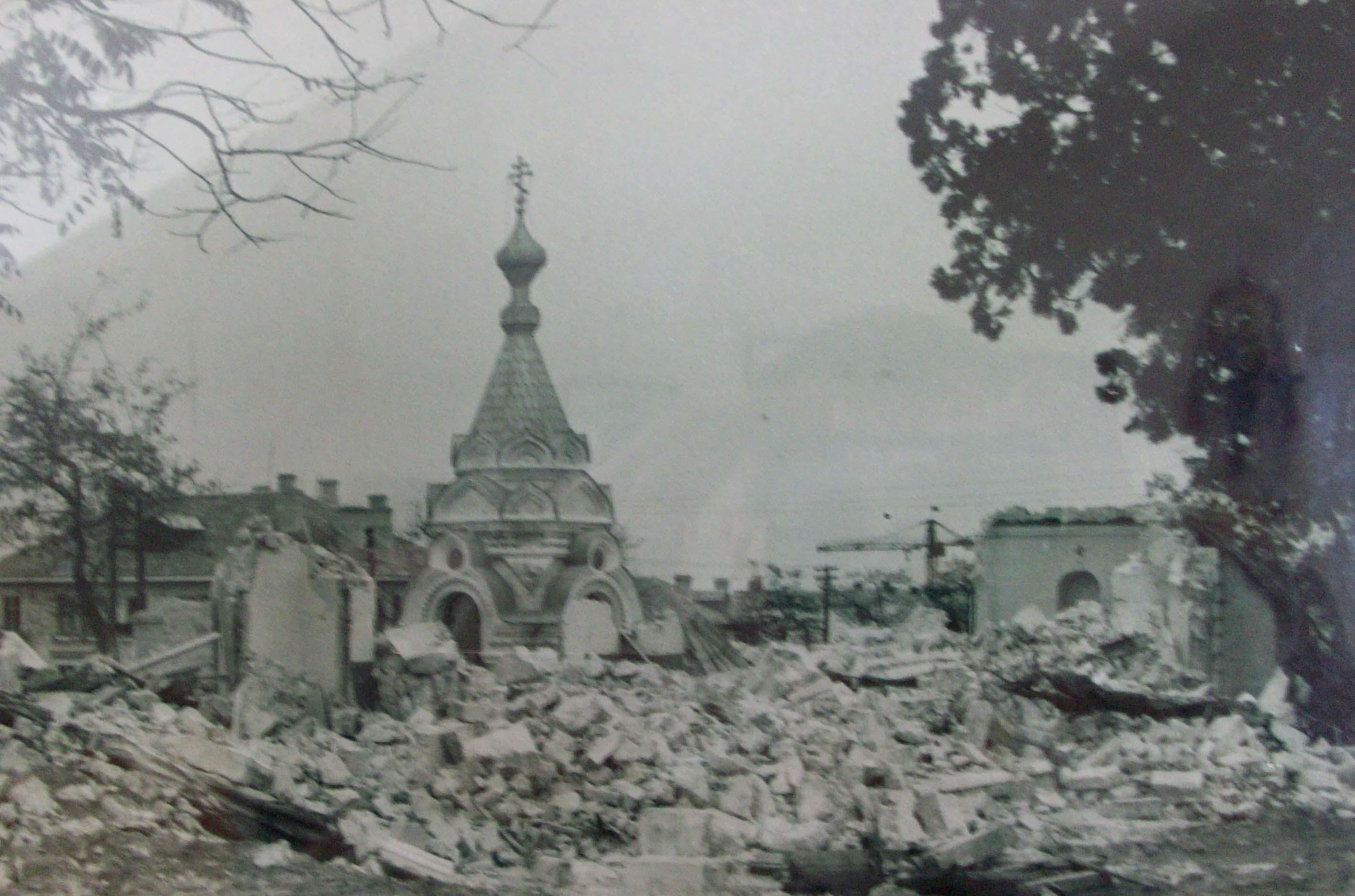 Razrusheniy_Hram_Vseh_Sv_1961g.jpg